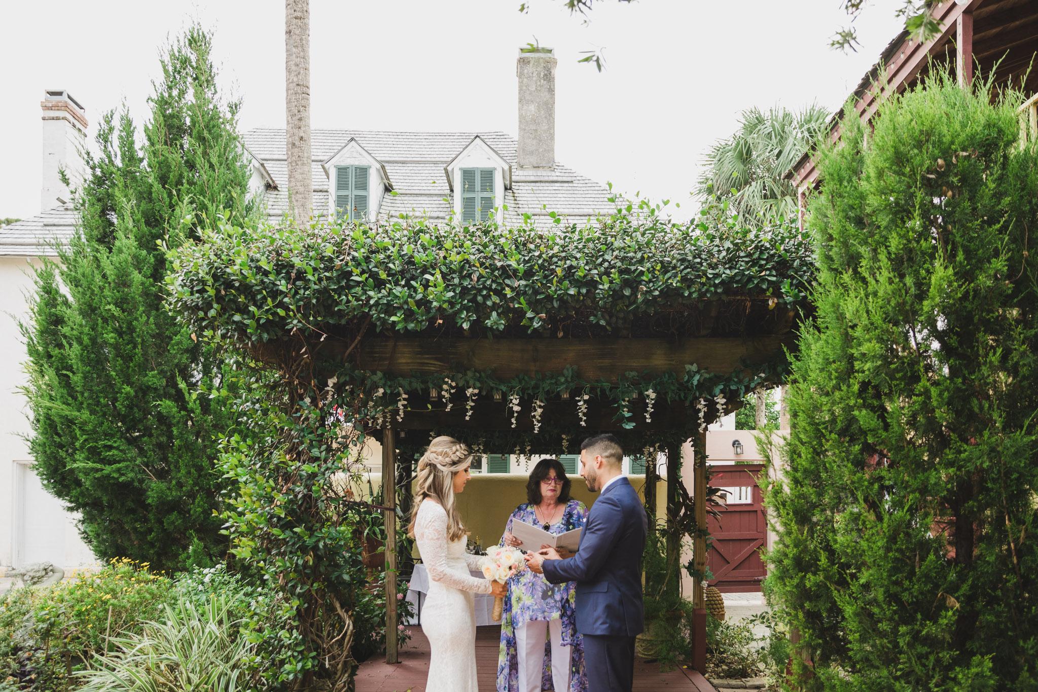 intimate elopement ceremony in florida